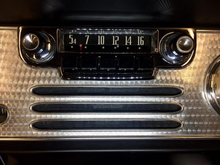 54 Studebaker Champion038